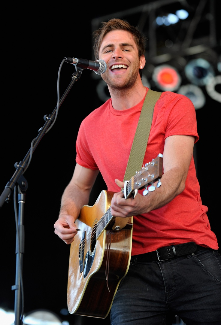 new guy- Canaan Smith...cuuuuuttee