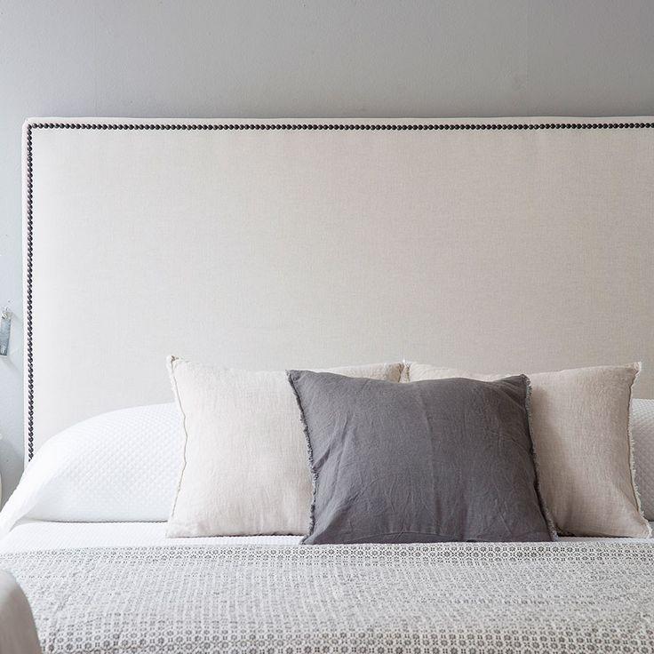 Las 25 mejores ideas sobre cabecero con tachuelas en - Hacer cabeceros tapizados ...