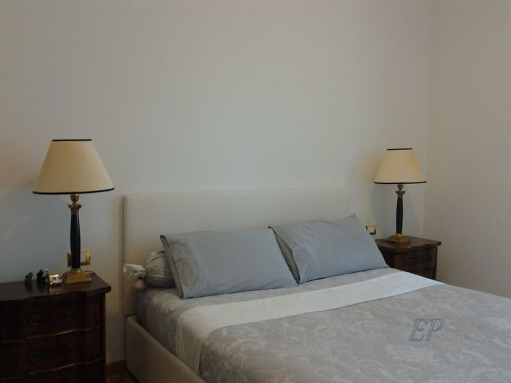 #sanbabila #2bedroomflatforrent The master bedroom has an incredible view on the Basilica of Piazza San Babila. The room has its own convenient walk-in closet. double windows ensure silence.