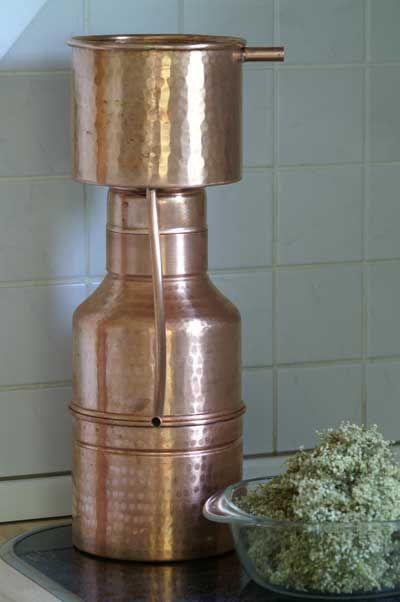 Hydrolate selbst herstellen:  Die Leonardo-Destille