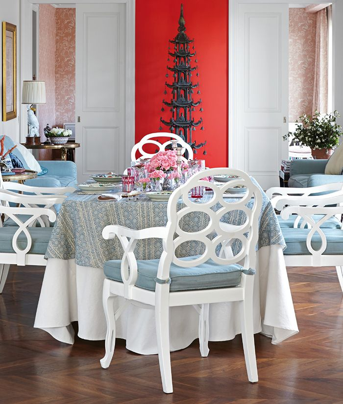 An Antique Pagoda, Frances Elkinu0027s Loop Chairs, And Blue And White  Textiles: Whatu0027s