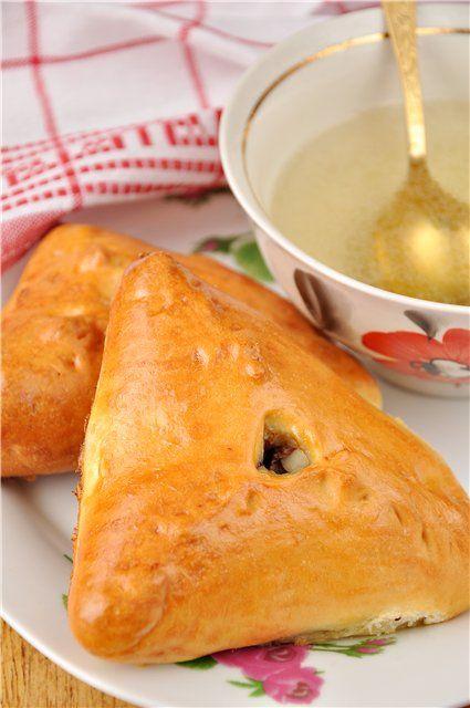 Вкусная пауза - Эчпочмак (треугольные пироги с картошкой и мясом)