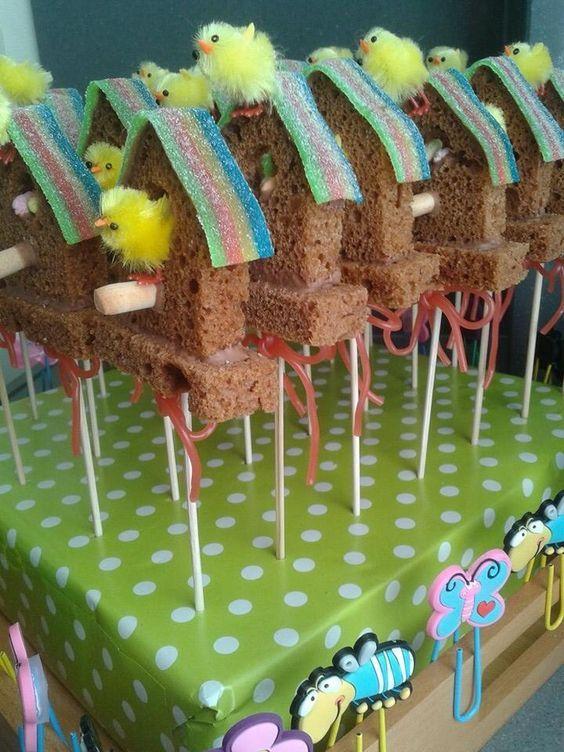 Vogelhuisjes van peperkoek