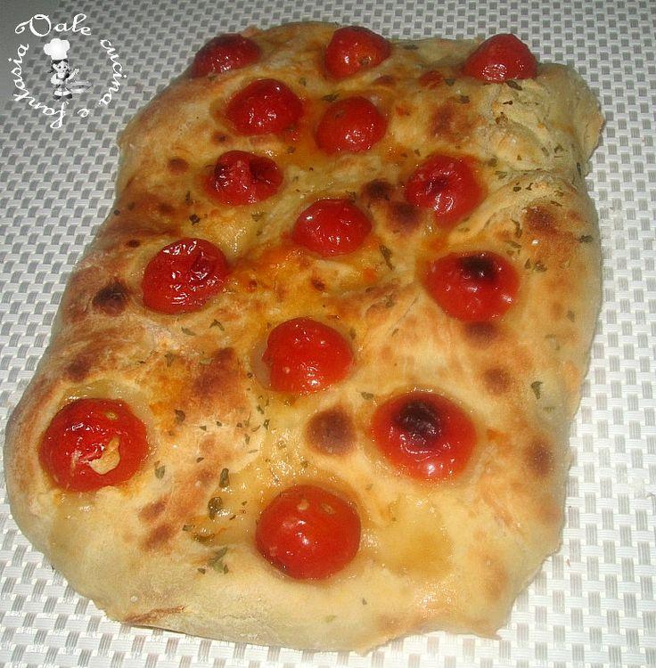 focaccia con pomodorini e origano,una ricetta semplice ma sempre molto gradita