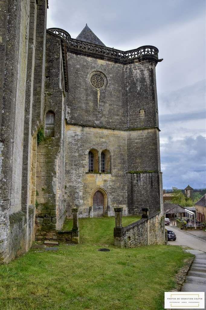 Le Chateau De Biron En Dordogne Le Colosse De Pierre Dordogne Perigueux Puy De Dome