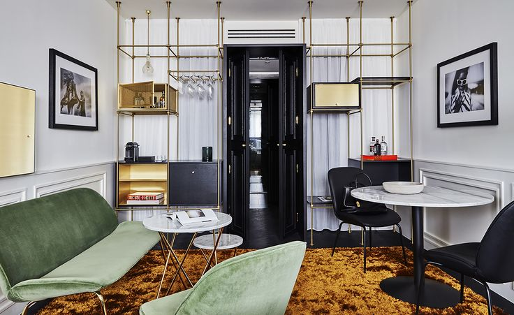 The first thing you notice on arrival at Munich's new Autograph Collection hotel, Roomers – especially if you arrive at night – is the swathe of over 2,000 lightbulbs that line the ceiling of the porte cochère. This is backed by a full-length window th...