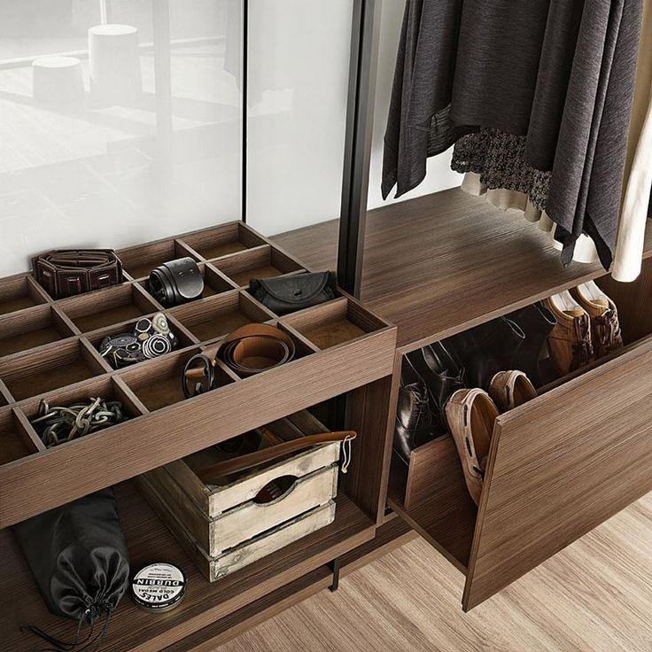 Die besten 25+ Begehbarer kleiderschrank regalsystem Ideen auf - begehbarer kleiderschrank modular system