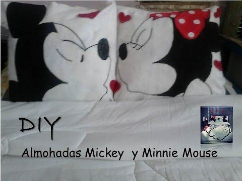Diy. Almohadas Minnie y Micky Mouse - YouTube