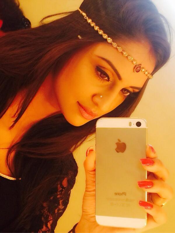 Krystal D'souza #selfie