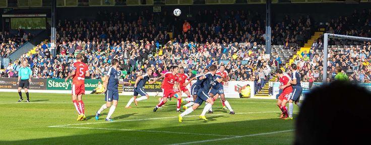 Engelse voetbalsfeer bij Southend United FC