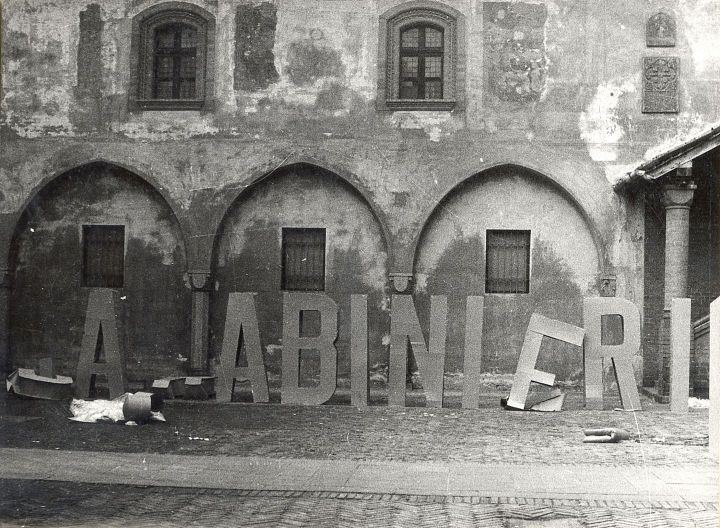 Gianni Pettena, Carabinieri, 1968, Italy #giannipettena #carabinieri #1968 #novara #performance #radical #radicaldesign #radicalart #radicalmovement #historicaldesign #art #arte #erastudio #erastudioapartmentgallery #designgallery #gallery #collectibledesign #italiandesign #designicon #artlover #artcollector #artadvisor #artdealer #artcurator #artconsultant #designart