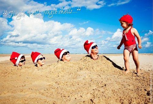 24 Crazy cute Beach Christmas card ideas: http://beachblissliving.com/beach-christmas-card-photo-ideas/ Fun family shots, mini Christmas trees, Santa caps... Create your own Christmas Photo Cards!