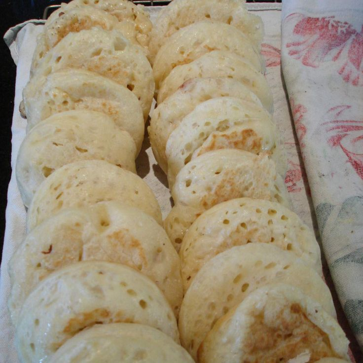 Crumpets - Thermomix recipe - tried and worked! Next time half the recipe