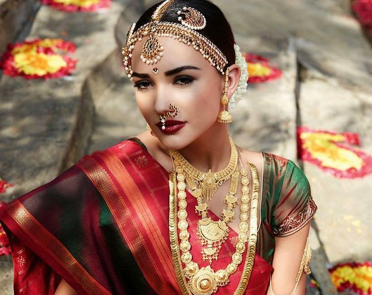 Amy Jackson Traditional Dress Photos