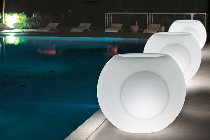 Muebles de exterior fabricados en polietileno con o sin luz led!! Outdoor furniture manufactured of polyethylene with or without led light!!  www.lavidaenled.com