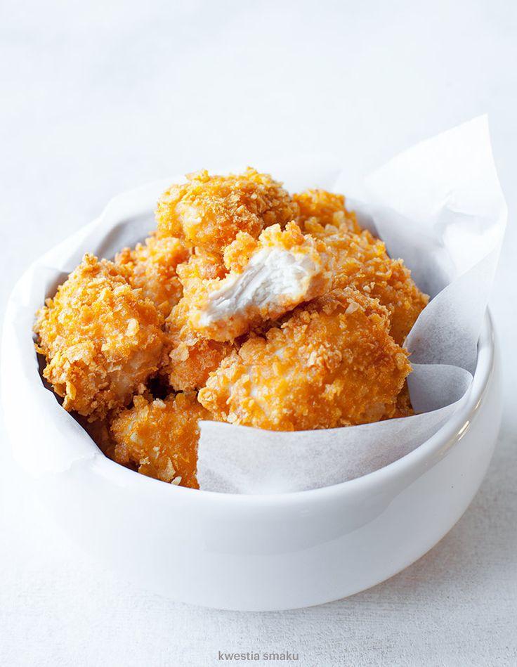 Pieczone nuggetsy z kurczaka w płatkach kukurydzianych