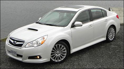 2011 Subaru Legacy 2.5GT Review (video) | Auto123.com