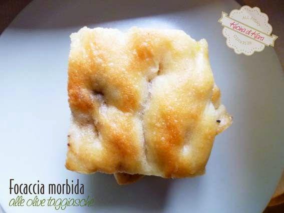 Kucina di Kiara: Focaccia morbida - con impasto diretto - alle olive taggiasche