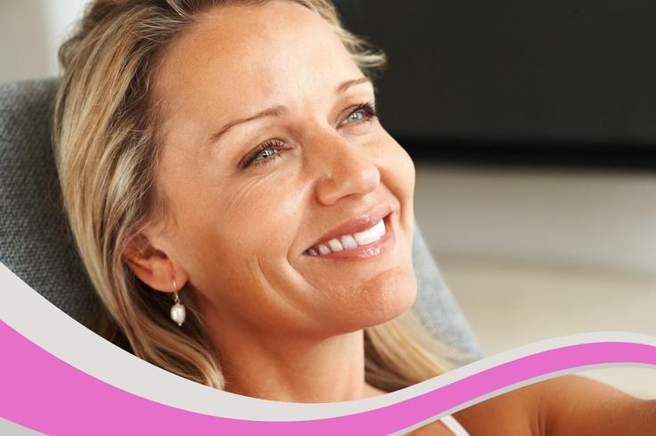 El cóctel de vitaminas está indicado para chicas jóvenes que quieran lucir radiantes en una época especial o prevenir la aparición de arrugas o flacidez, también para mujeres maduras, ya que ayuda a combatir las pieles envejecidas, desnutridas, e incluso grasas y con poros dilatados, mejorando la hidratación, la regeneración, reafirmación y relleno de la piel. Con esta técnica se consigue rejuvenecer la piel aportando una hidratación inmediata, dejándola tersa y luminosa. SIN CIRUGÍA.