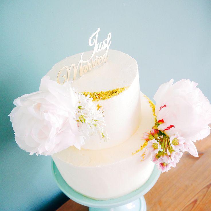 Wedding cake by Even naar Eef #weddingcake #bruidstaart #taart #nijmegen #cake #thuisbijfien