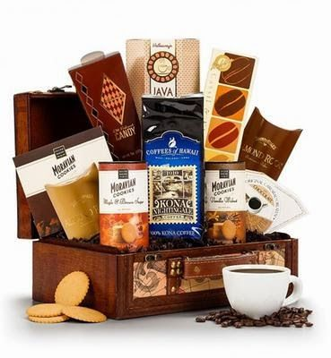 Perfect Gift for Coffee Lovers! :) http://www.little-temptations.com/2014/12/the-coffee-lovers-gift-list.html