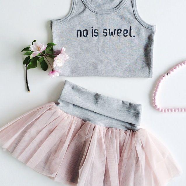 So sweet! Super setje voor een meisje. Tank top #noissweet van #nosweet en tutu rokje van #kidsonthemoon bij www.kidsfinest.nl