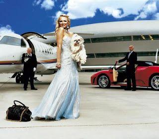 Hoje temos a sexta forma de pensar que distingue as pessoas ricas: As pessoas ricas admiram outros indivíduos ricos e bem sucedidos. As pessoas de mentalidade pobre desdenham de quem é rico e bem sucedido.  Artigo completo aqui: http://blog.nrebocho.com/blog/17-formas-de-pensar-que-distinguem-as-pessoas-ricas-6