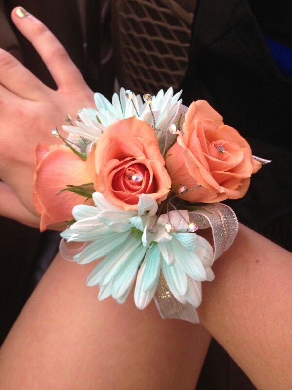 10 best Corsage images on Pinterest | Prom flowers, Wedding bouquets ...