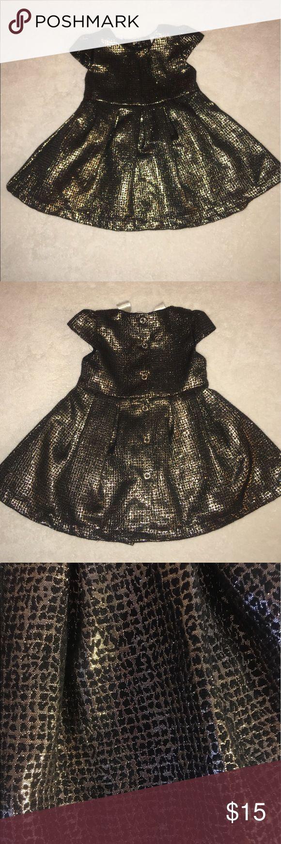 Kardashian kids dress Metallic gold and black dress. Buttons all the way down the back. Kardashian Kids Dresses Formal