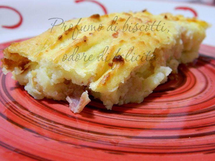Il purè di patate al forno è una torta salata di patate, croccante ma anche soffice, semplice ed economica!