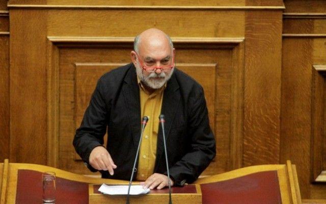 Συρμαλένιος: Η κυβέρνηση δεν έχει πολλά οχυρά στα ΜΜΕ