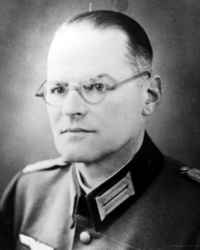 Georg Conrad Kißling (July 20, 1893 - July 22, 1944) During the war the reserve major worked as an agricultural adviser at the Army High Command. In the plans for the coup, the conspirators around Claus Schenk Graf von Stauffenberg designated him as liaison officer for military district XXI (Posen). After the failure of the assassination attempt of July 20, 1944, Kißling escaped arrest on July 22 by committing suicide.