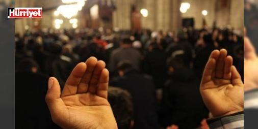 Mevlid Kandili ne zaman idrak edilir? 2016 Rebiülevvel ayının önemi nedir? : Mevlid Kandili ne zaman sorusuna cevap arayan İslam alemi Diyanet İşleri Başkanlığı tarafından yayımlanan tarih bilgisini araştırdı. Peygamber Efendimiz Hz. Muhammedin (S.A.V) doğum günü olarak kabul edilen Rebiülevvel ayının 11. günü İslam camiasında Mevlid Kandili olarak eda edilmektedir. Peki Müslüman alemi için önemli bir konuma sahip olan 2016 Mevlid Kandili ne zaman idrak edilecek? İşte Rebiülevvel ayının…