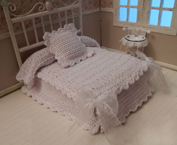 25 Best Ideas About White Bedspreads On Pinterest White