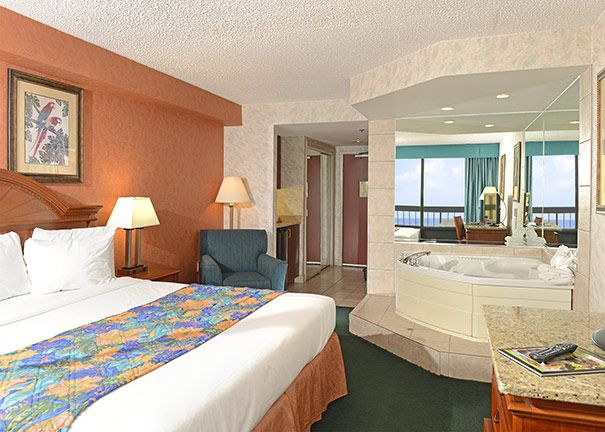King Room With Jacuzzi At The Breakers Resort Inn On The