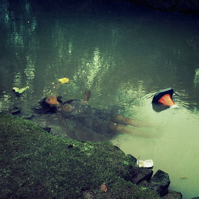 """Ophelia, newer """"angle"""" and photography.  Thematically it still seems to hold true to Shakespeare.: Aaron Born, Rosie Hardy, Modern Art, Ophelia Modern, Art Photography, Modern Ophelia, Hardy Photography, Arfotography Blog, Narrative Photography"""