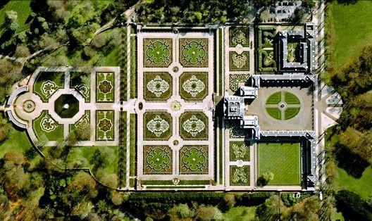 Het Loo Palace - Apeldoorn, Países Baixos. Cortesia de DigitalGlobe