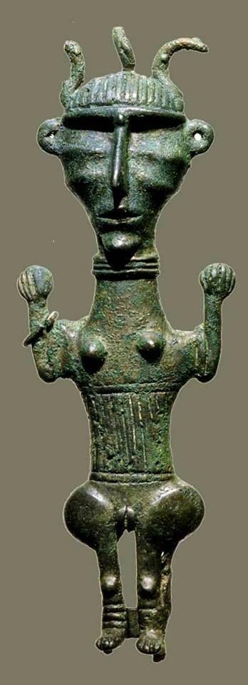 "Iran, preachaemenid ,statue of a female probably Luristan art,, ca 700-600 BC. تندیس مفرغی، یک زن، احتمالا هنر لرستان حدود ۷۰۰ تا ۶۰۰ پیش از میلاد ""Virtual Museum of Iran Art / موزه مجازی هنر ایران"" Page on Facebook."