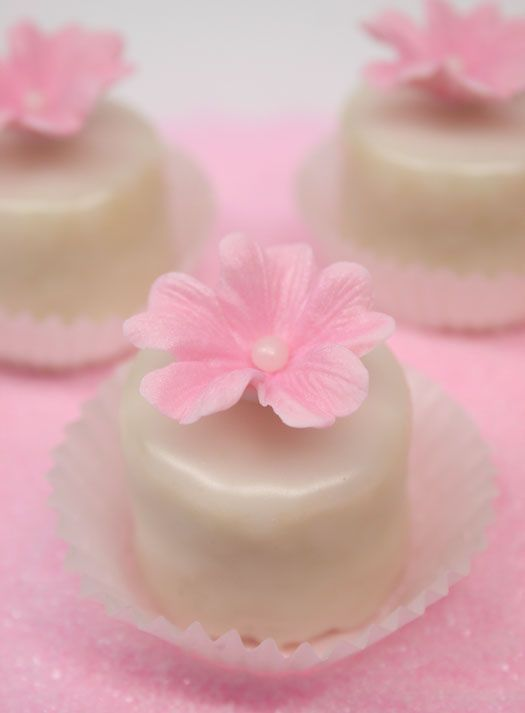 Petit Fours Recipe • CakeJournal.com these are too adorable !