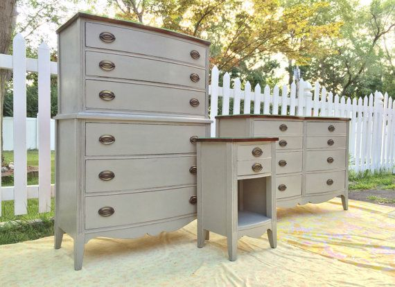 1940's Bedroom Set, Refinished in ASCP French Linen https://www.etsy.com/listing/200395409/1940s-bedroom-set-refinished-in-ascp?