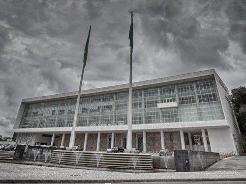 Suspeita de fraude faz governo do Paraná rever controle do ponto...