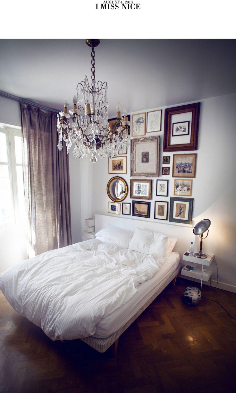 Detta tänker jag göra på väggen ovanför vår säng hemma, som just nu ekar tomt..! Så inspirerad!