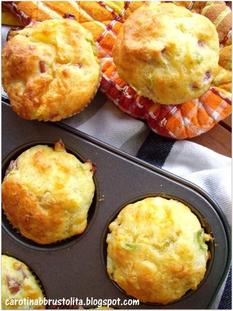 Muffin salati con peperoni e wusterini