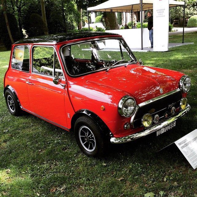 17 best images about classic mini mini coopers on pinterest mk1 cars and rally car. Black Bedroom Furniture Sets. Home Design Ideas