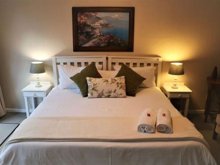 Reef View - East London - Our establishment can only be described as a modern beach house overlooking the Indian Ocean.A modern, fully refurbished guest house with amenities. Rooms have a magnificent view of the Nahoon River and ... #weekendgetaways #eastlondon #sunshinecoast #southafrica