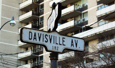 View Davisville Village Street Sign