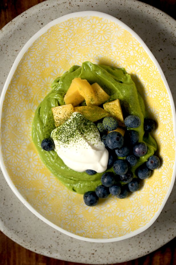 Matcha Body Shaping Smoothie Bowl : The Healthy Chef – Teresa Cutter