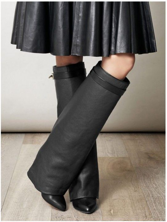 Сапоги Givenchy (Живанши) кожаные черные