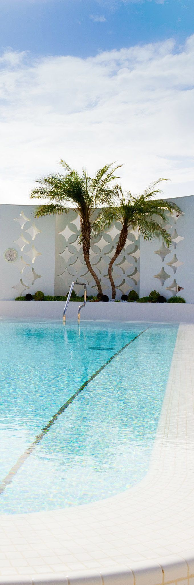 149 best retro concrete wall screen designs images on pinterest arquitetura facades and - Palm beach swimming pool ...