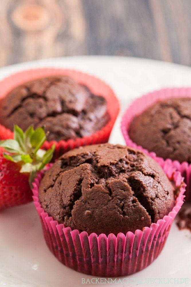 Gefüllte Schoko-Nougat-Muffins mit unglaublich leckerem Nussnuogat-Kern